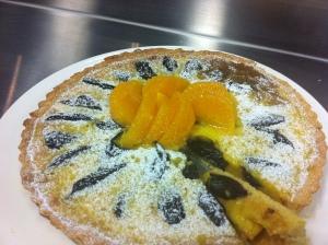My tarte fine aux pruneaux et amandes