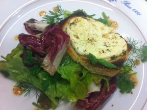 Salade tiede de fromage de chevre