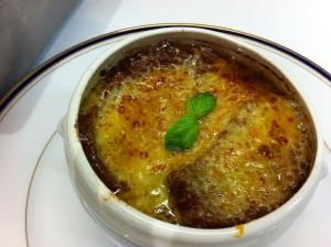 Soupe a l'oignon avec crouton by Chef Paul