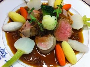 Filet de porc poche, sauce Lyonnaise