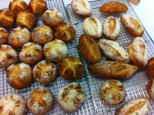 Crusty rolls with crispy shallots